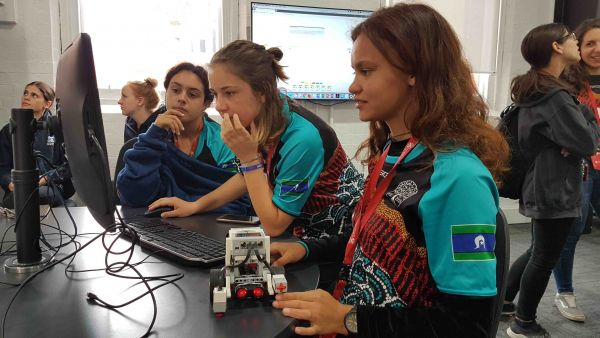 Students building and programming a small vehicle