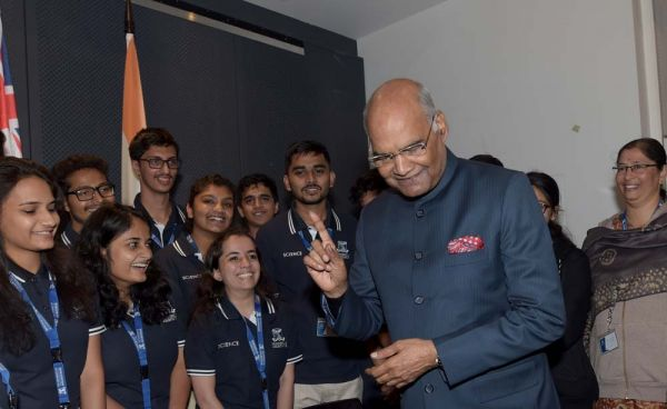 BSc (Blended) students with the President of India
